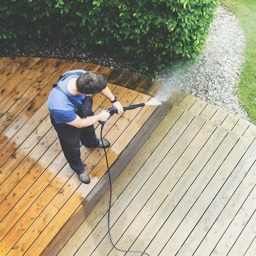 شستشوی حیاط با واترجت خانگی