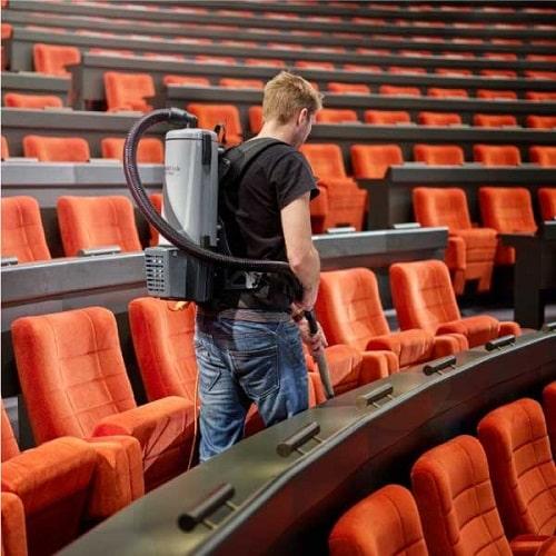 اهمیت نظافت سالن سینما به روش صنعتی