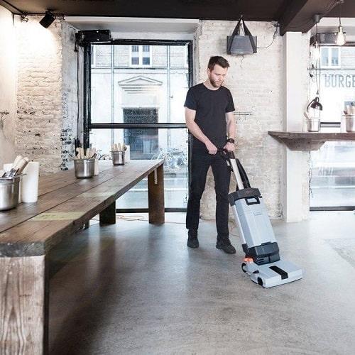 کف شوی صنعتی رستوران، ضروری برای شستشو آسان سطح زمین