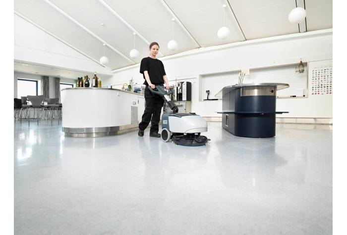اسکرابر دستی بعنوان یک کفشور کارآمد برای تمیز کردن موثر کف زمین