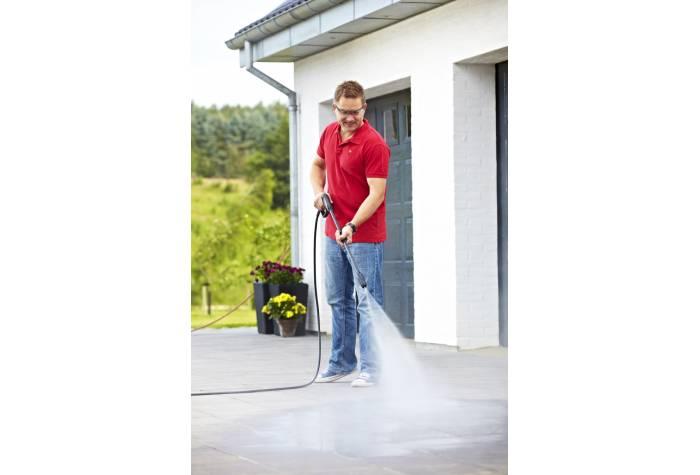 واترجت دستی به منظور نظافت خارج منزل با قدرت و صرفه جویی در وقت و انرژی طراحی شده است