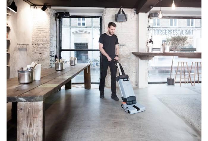 اسکرابر SC100 E موثر در نظافت کارآمد امکانی مثل نانوایی و مغازه های کوچک
