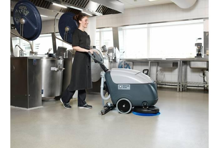 کاربرد دستگاه اسکرابر SC400E برای شستشوی آشپزخانه