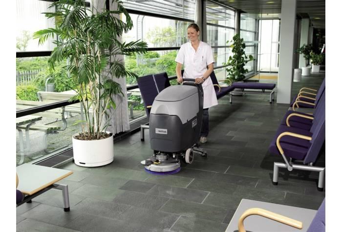 استفاده از دستگاه اسکرابر BA451D برای شستشوی اتاق انتظار