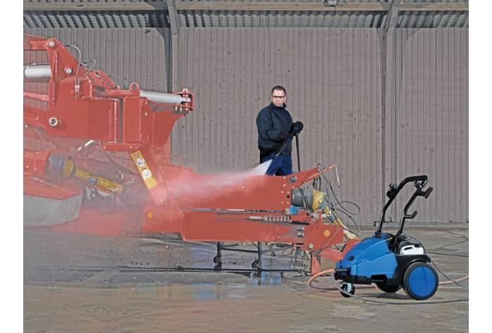 واترجت صنعتی MC 5M و شستشوی ماشین الات کشاورزی