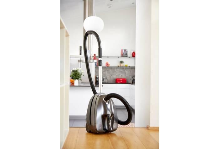 جارو برقی خانگی با قدرت متمرکز برای نظافت در سطح عالی مناسب می شود