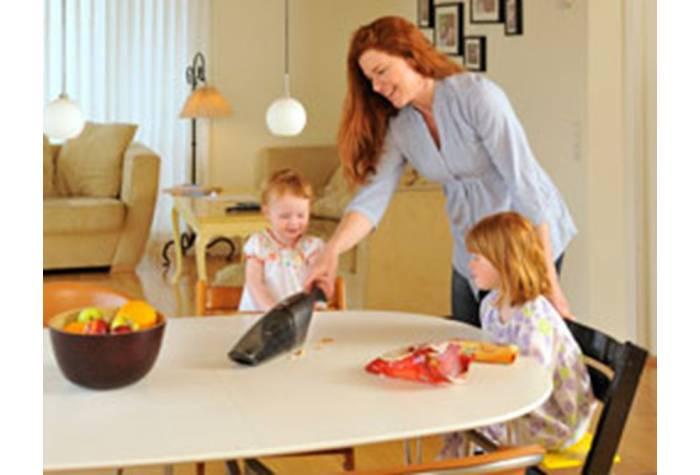 جارو برقی خانگی دستی و بدون سیم می باشد که نظافت را سرعت می بخشد