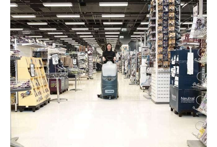 کاربرد دستگاه اسکرابر SC1500 در سوپر مارکت