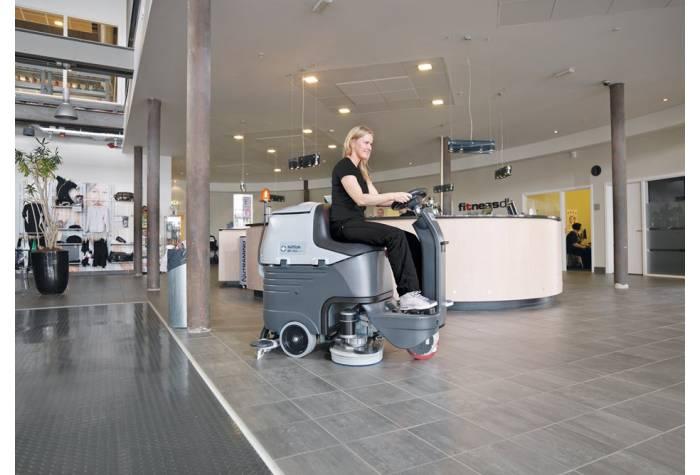 کاربرد دستگاه اسکرابر BR752  بعنوان یک کفشور کارآمد و کم صدا در هتل