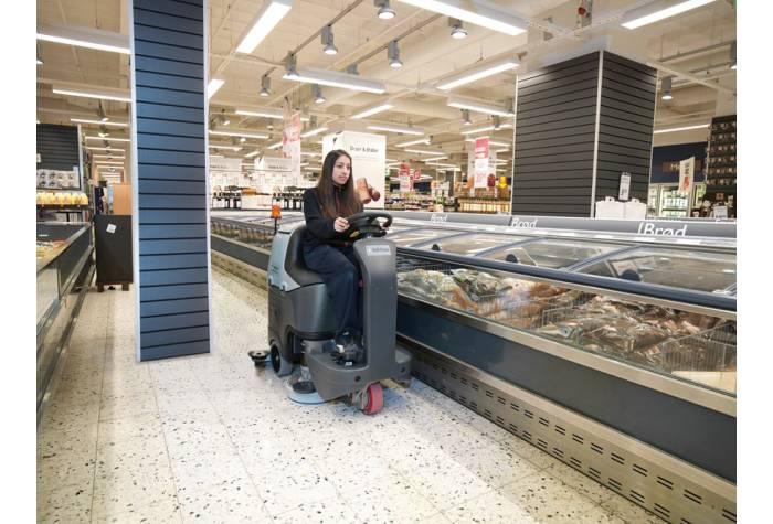 کاربرد دستگاه اسکرابر BR752 بعنوان کفشوی پر قدرت در سوپرمارکت