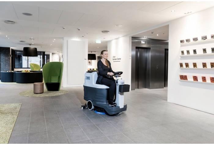 کاربرد دستگاه اسکرابر SC2000 در هتل