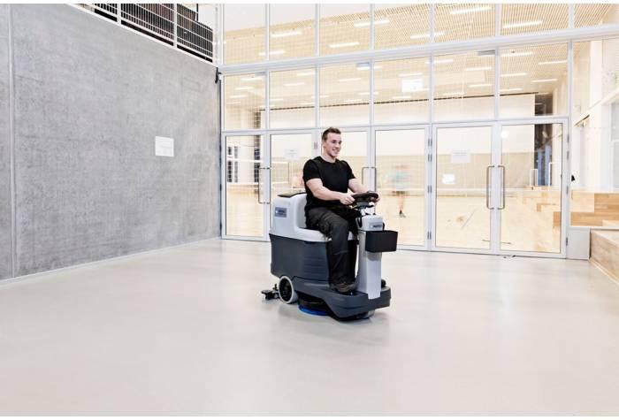 کاربرد دستگاه اسکرابر SC2000 بعنوان زمین شوی صنعتی در باشگاه ورزشی