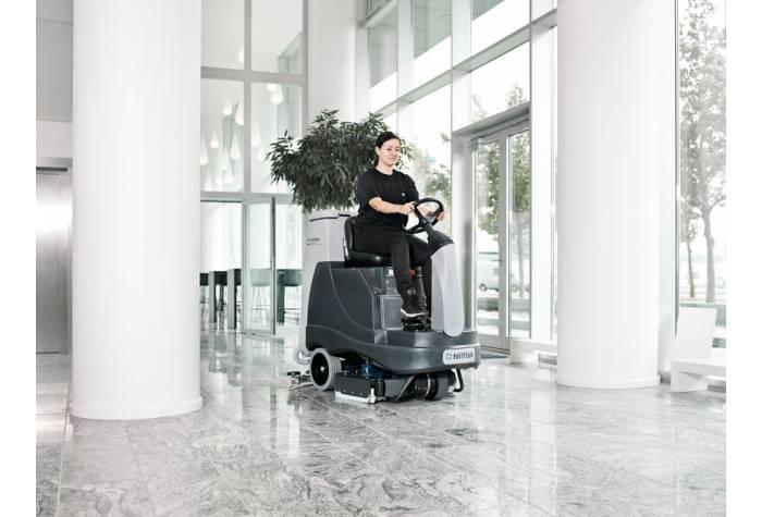 دستگاه اسکرابر BR755 یک کفشور عالی برای فضاهای وسیع