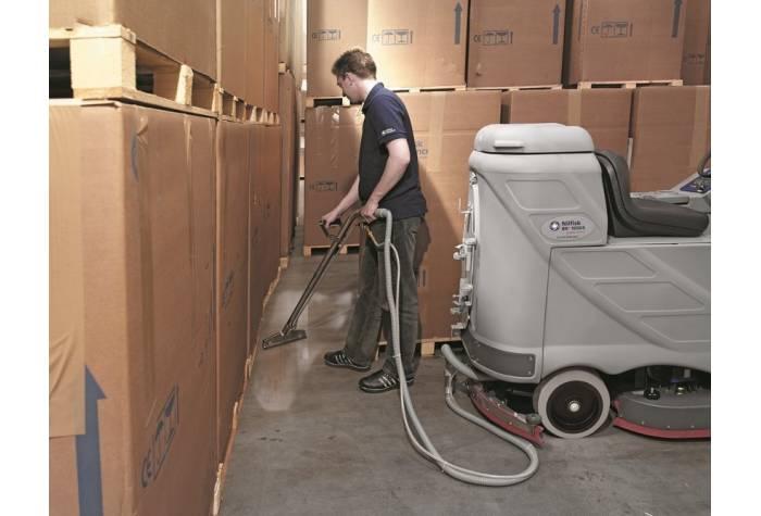 دستگاه اسکرابر BR850CS X دستگاه کفشور توانمند برای نظافت و شستشوی صنعتی انبارهای بزرگ