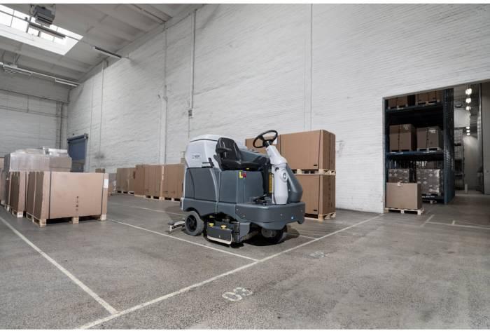 کاربرد دستگاه اسکرابر SC6500 1100D بعنوان یک کف شوی قدرتمند در انبار کارخانه