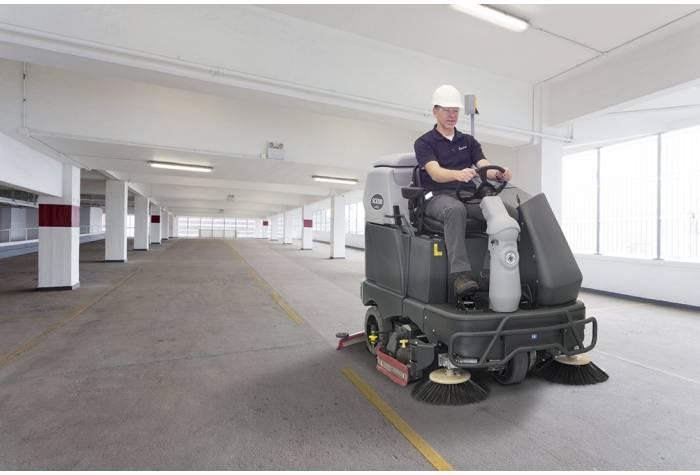 کاربرد دستگاه اسکرابر SC6500 1300C بعنوان زمین شوی قدرتمند در پارکینگ های عمومی