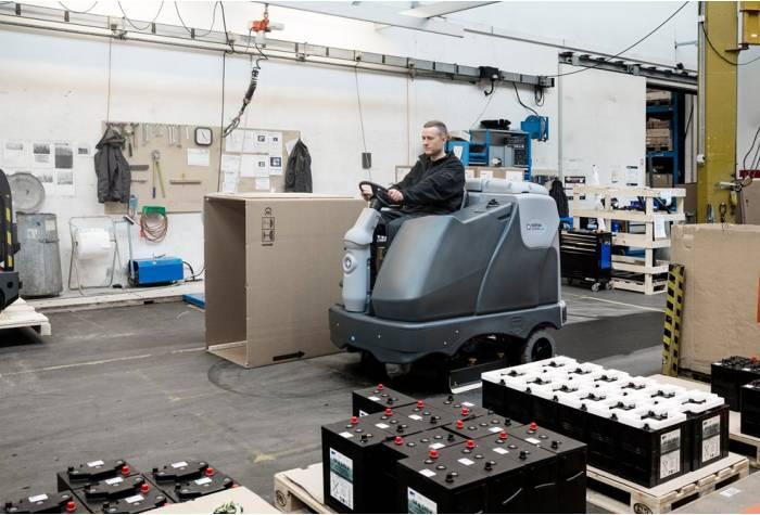 دستگاه اسکرابر SC6500 1300D یک گزینه ایده آل و کفشور مناسب برای محیطهای صنعتی تولید
