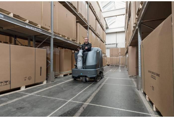 دستگاه اسکرابر SC6500 1300D یک زمین شوی صنعتی بسیار مناسب برای محیط های صنعتی