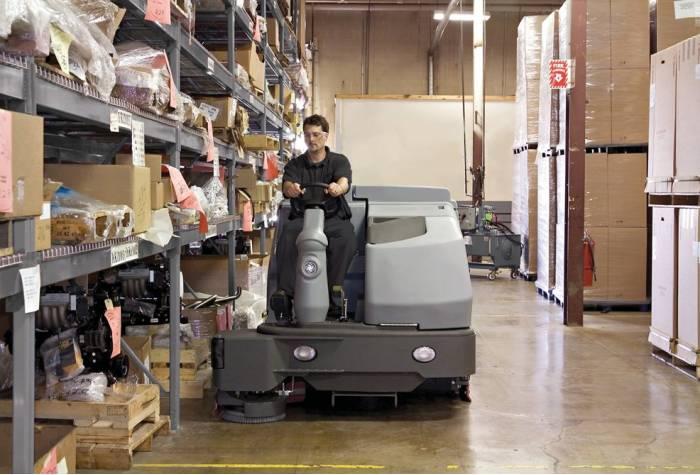 کاربرد دستگاه اسکرابر SC8000 1600D بعنوان زمین شوی ایده آل در انبارهای بزرگ