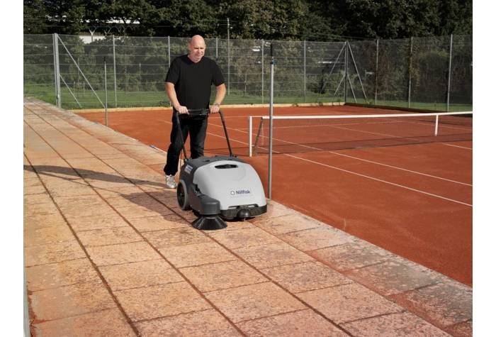 سوییپر SW750 یک ابزار نظافت کارآمد برای جاروب کردن فضاهای باز