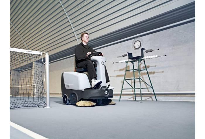 دستگاه سوییپر SR1000S P قابل استفاده بر روی فرش و موکت در صورت تجهیز به کیت مخصوص نظافت فرش