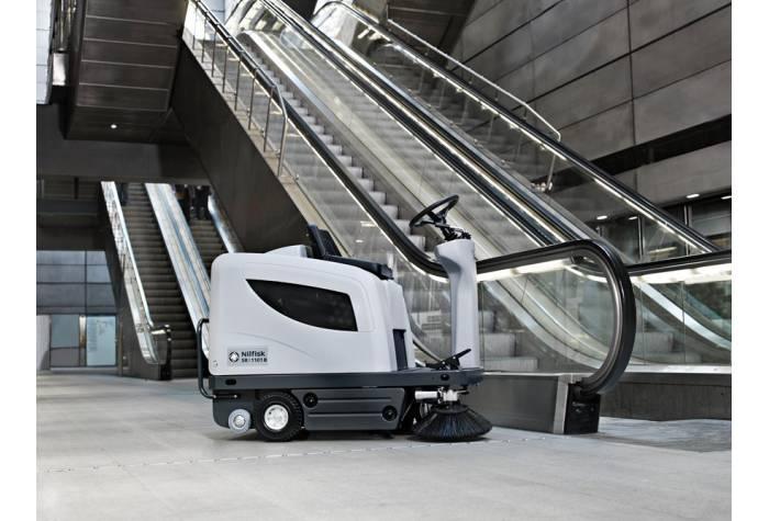 سوییپر SR1101P قابل کاربرد در محیط های سرپوشیده و تجاری