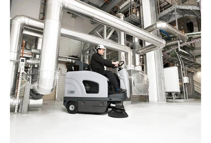 استفاده از سوییپر SW4000 LPG در عملیات نظافت حرفه ای کارخانه ها
