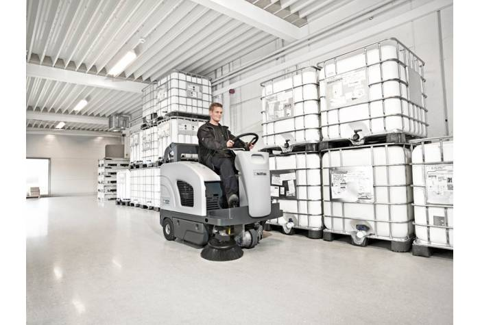 سوییپر خودرویی SW4000 P یک سویپر قدرتمند برای کاربرد در محیط های صنعتی