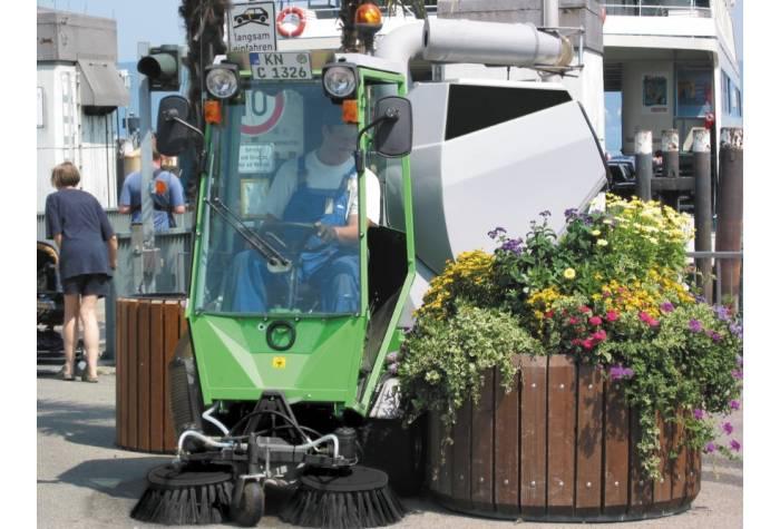 برس سوم سوییپر Park Ranger 2150 برای نظافت بهتر کناره ها