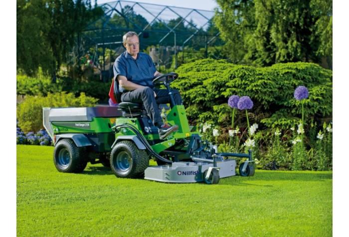 سوییپر mulch and rotary mower دارای ابعاد کوچک و مناسب برای فضاهای باریک
