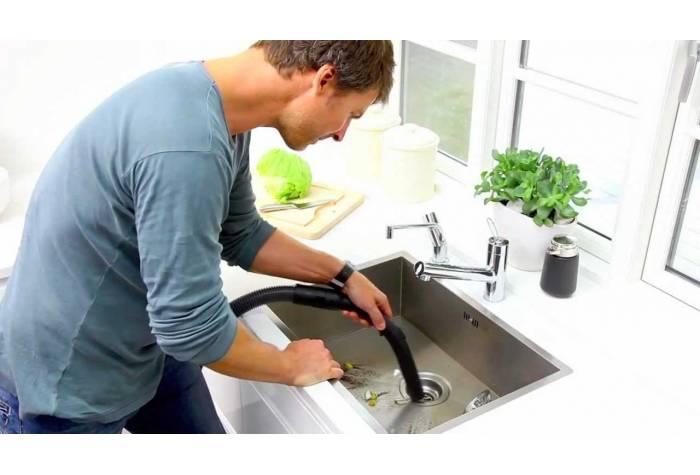 جارو برقی آب و خاک با قابلیت مکش آب بسیار مناسب استفاده خانگی می باشد