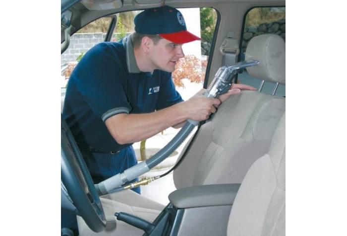 از بین بردن آلودگی های صندلی خودرو با مبل شوی