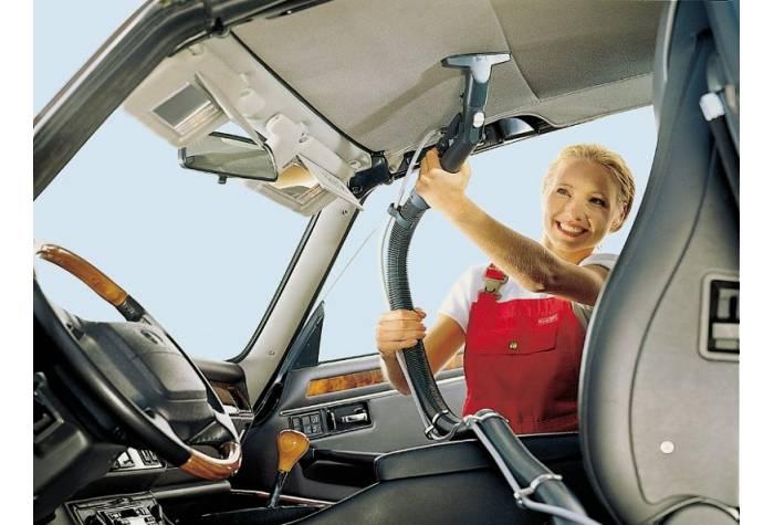 نظافت و پاکسازی سقف خودرو با مبل شوی