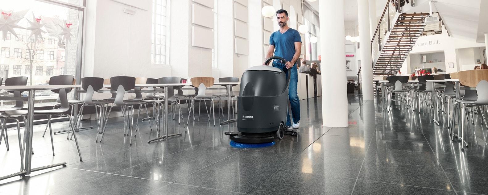 نظافت صنعتی با دستگاه شستشوی کف، اسکرابر صنعتی